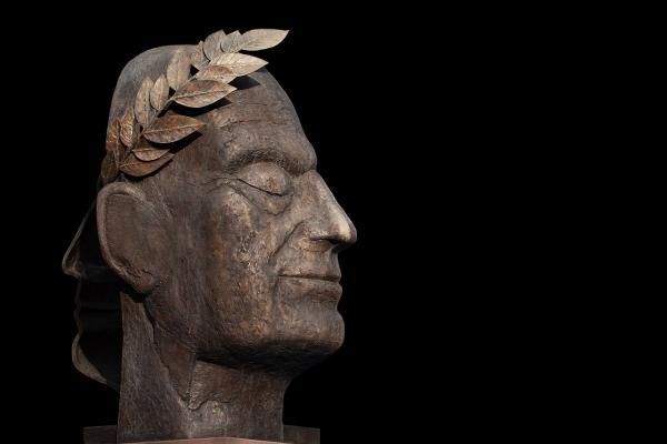 sculpture-3357150_1280
